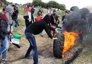 Palestine: Manifestation contre la construction des colonies